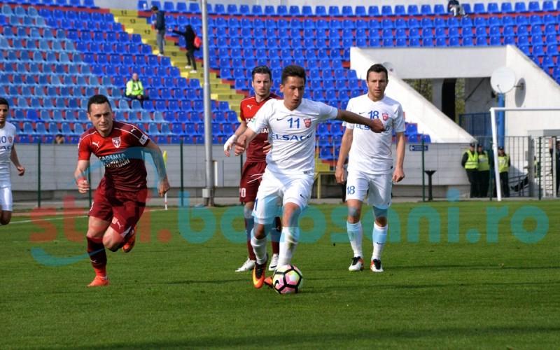 """Leo Grozavu îl aduce cu picioarele pe pământ pe Moruțan: """"Mai are de mâncat multă mămăliguță până să plece la Steaua"""""""