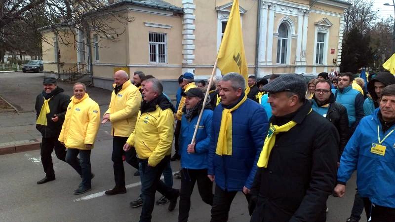 Liberali, membri USR-PLUS și ALDE au ieșit în stradă pentru susținerea președintelui Klaus Johannis - Galerie Foto