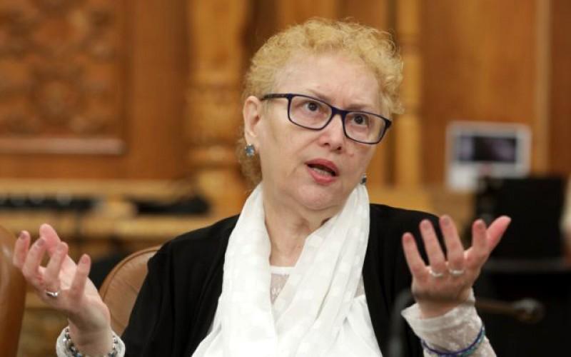 """Liberalii demarează mâine procedurile de suspendare a avocatului poporului, Renate Weber: """"S-a transformat în apărătorul pensiilor nesimţite"""""""