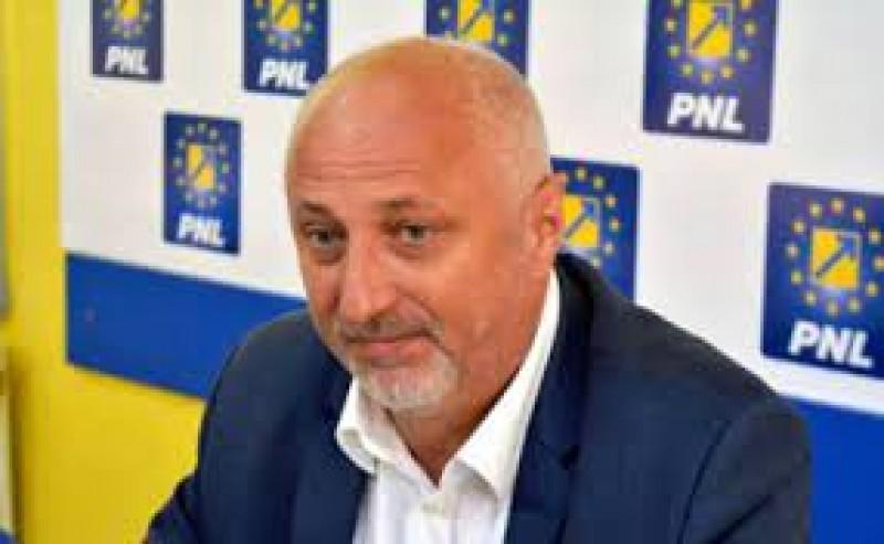 Liberalii nu se grăbesc să nominalizeze un nou subprefect al județului Botoșani. Așteaptă să vadă rezultatele alegerilor interne de pe 25 septembrie