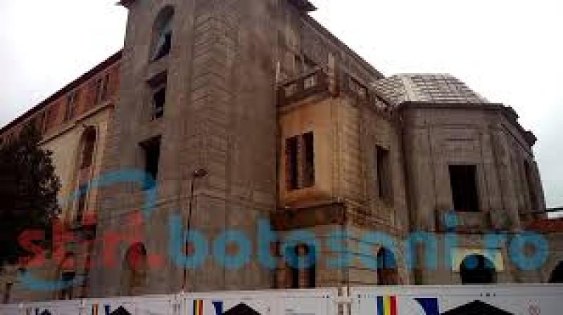 """Liberalii reacționează la anunțul social-democraților cu privire la situația Teatrului Eminescu, """"teatrul care stă în ruină chiar din cauza lor"""""""