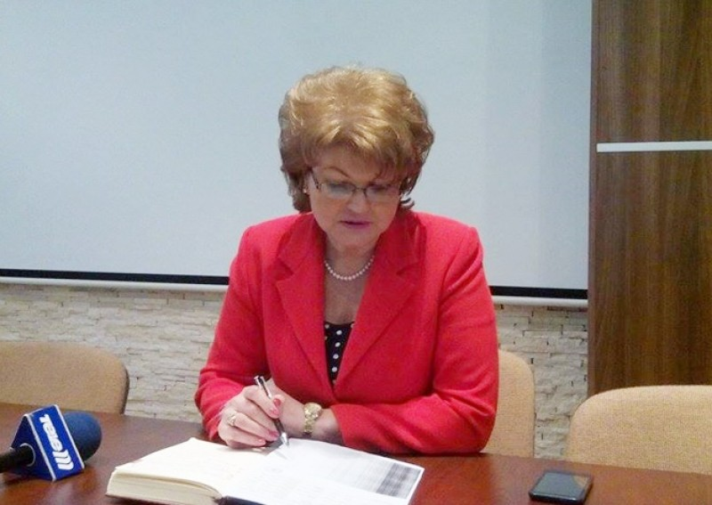Liceenii din Botoșani pot obține burse de studiu în Marea Britanie prin programul HMC