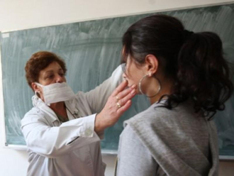 Liceu din Botosani, inchis de gripa porcina!