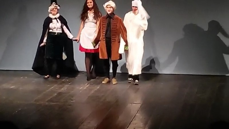 """Liceul de Artă """"Ştefan Luchian"""", la Festivalul Judeţean de Teatru Francofon """"Parole et Théâtre"""""""