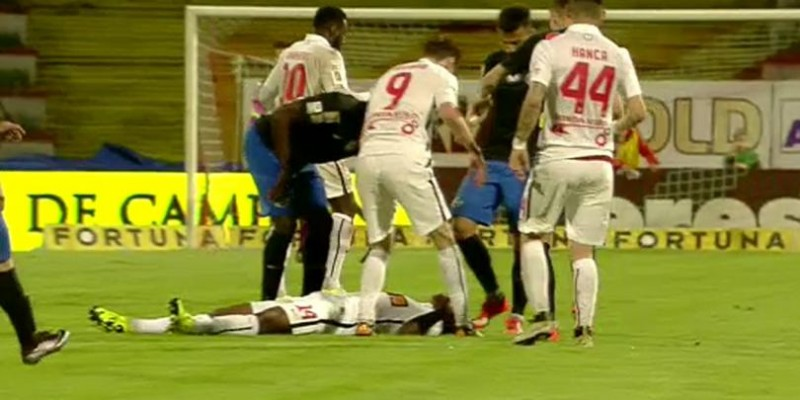 LIGA 1: TRAGEDIE la meciul Dinamo - Viitorul! Un dinamovist a DECEDAT pe terenul de fotbal - VIDEO