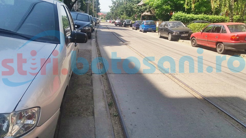 Liniile de tramvai nefolosite din Botoșani, pericol pentru șoferi, ar putea fi SCOASE! FOTO