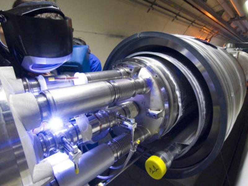 Lista de achizitii a MApN: acceleratoare de particule, nave spatiale si reactoare nucelare