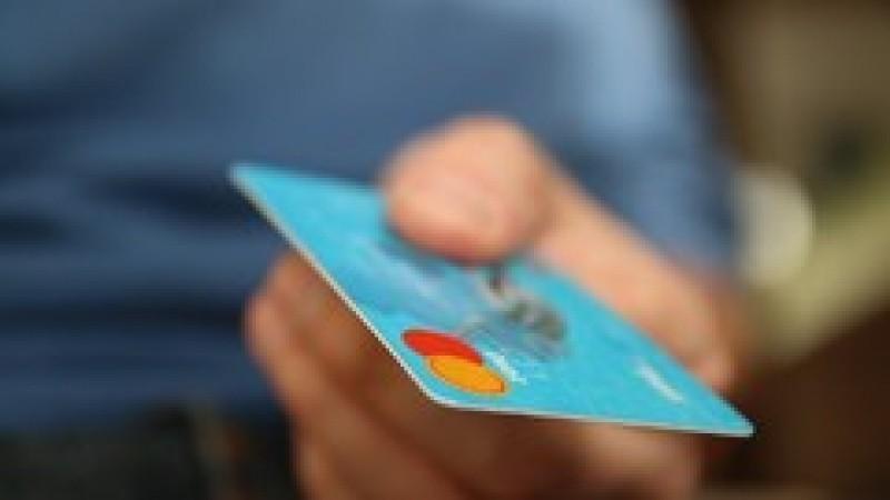 Lista tuturor comisioanelor bancare ce dispar începând de sâmbătă
