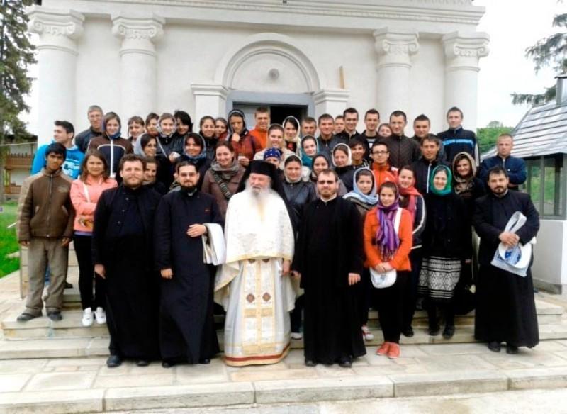 Liturghia absolventului, la Mănăstirea Vorona