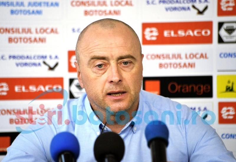 LIVE VIDEO - Antrenorul FC Botosani, Leo Grozavu, demisionează!!!