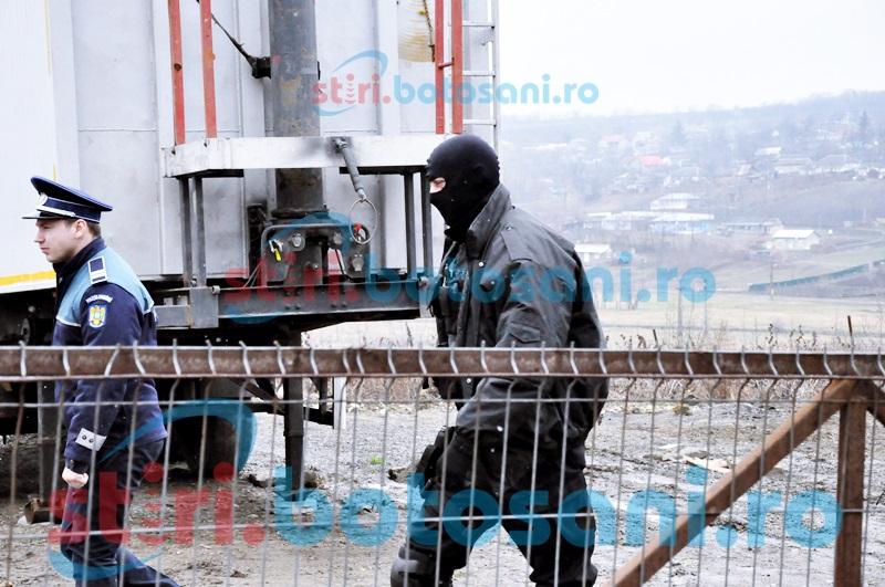 Locuințe din Botoșani, răscolite cu mascații!