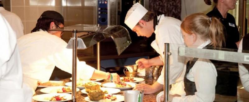 Locuri de muncă în domeniul hotelier - gastronomic în Germania. Salarii de mii de euro!