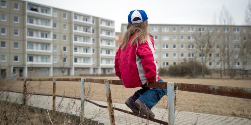 Lovitură pentru românii care se separă de familie pentru a munci în străinătate: Germania înjumătățește alocațiile copiilor rămași în România