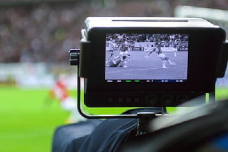 LPF, în conflict cu televiziunile: Șefii Ligii cer respect pentru suporteri