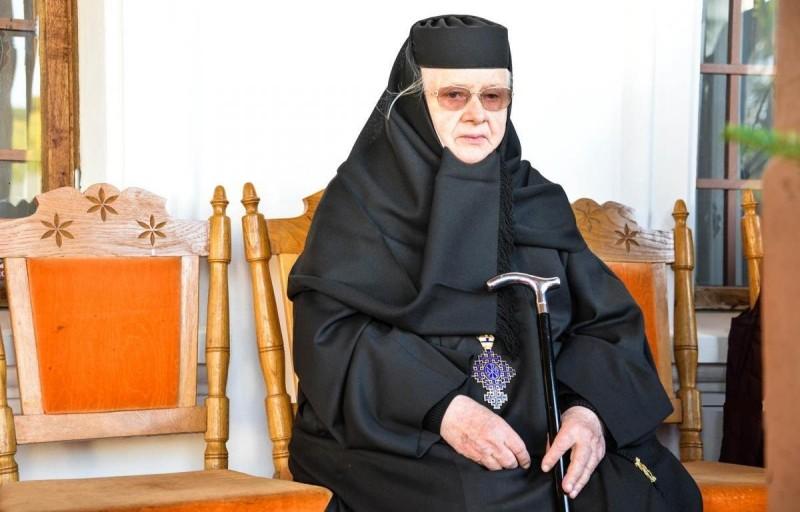 Lucrarea unei călugărițe întru renașterea împărăteștii lavre a Voronei