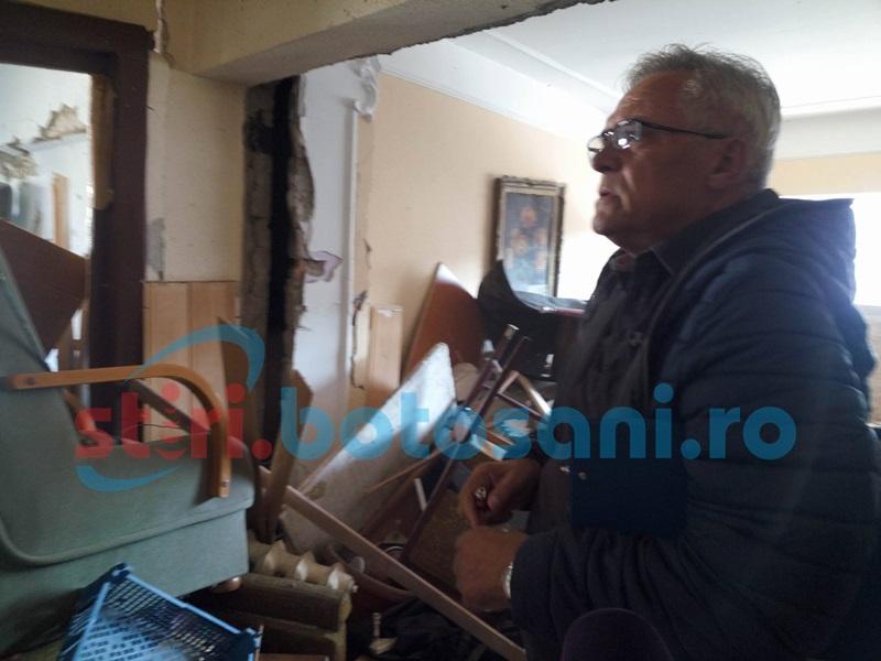 Lucrări de consolidare sau de reparaţie- proprietarii din blocul afectat de explozie aşteaptă răspunsul de la expert FOTO