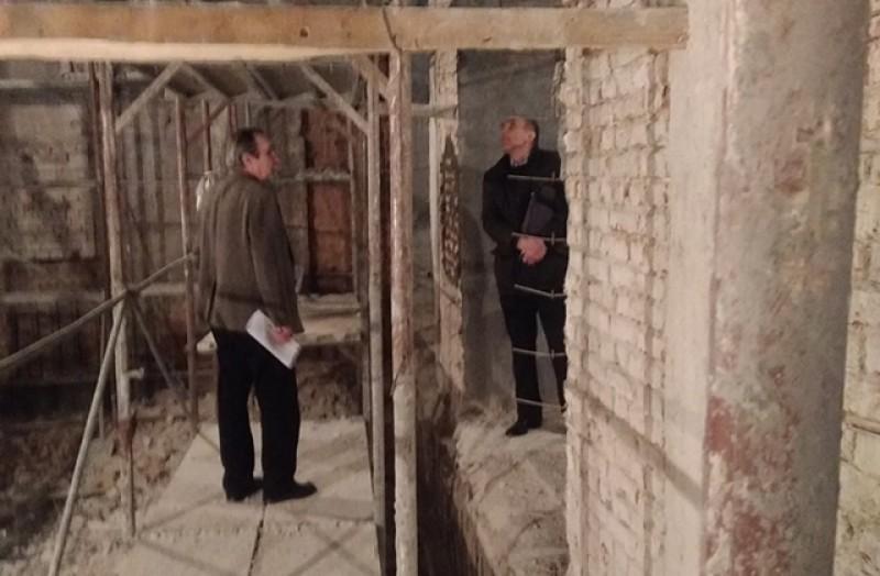 """Lucrările de consolidare la Teatrul """"Mihai Eminescu"""" sunt în grafic."""