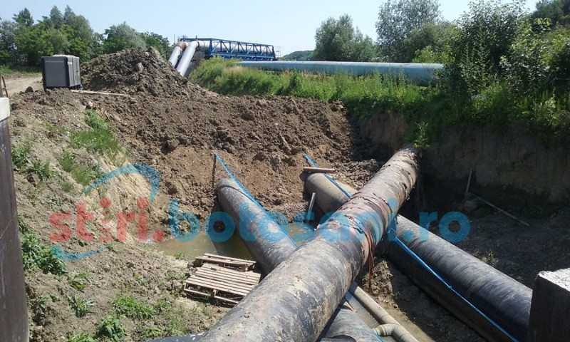 """Lucrările la rețeaua de apă și canalizare din municipiul Botoșani, făcute pe banii constructorului. """"Am luat în calcul și reducerea ritmului lucrărilor..."""""""