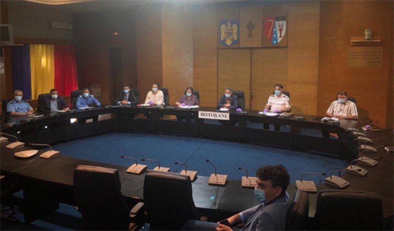 Ludovic Orban i-a băgat pe prefecți în ședință pentru respectarea măsurilor de prevenire a răspândirii virusului Covid-19