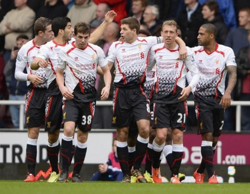 Luptă NEBUNA în Premier League! Liverpool, Chelsea şi Manchester City sunt aproape de caştigarea campionatului - SONDAJ