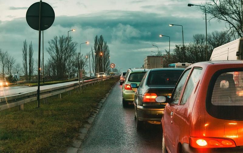 MAE: Autoritățile acționează pentru ca românii din Italia să nu fie discriminați de noul Cod rutier