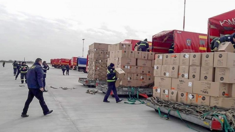MAI: 100.000 de combinezoane de protecție au fost aduse cu o aeronavă NATO, în această dimineață, din Coreea de Sud
