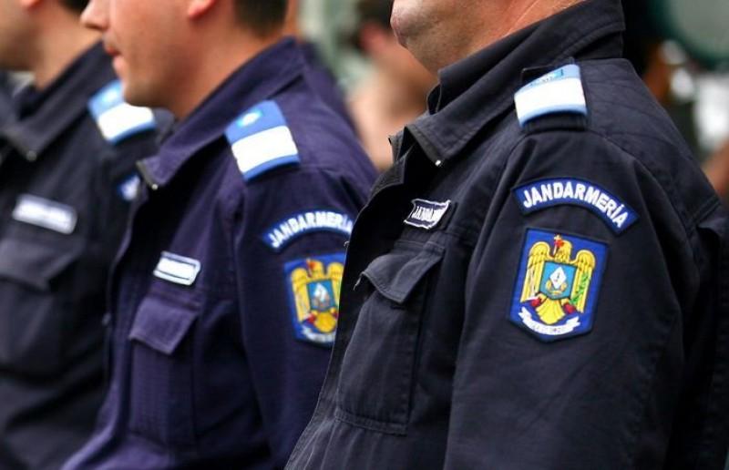 Mai multe patrule de jandarmi pe străzi în perioada Anului Nou