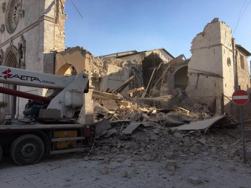 Mai mulţi români din Italia au cerut asistenţă consulară după cutremur. O familie de români a fost repatriată