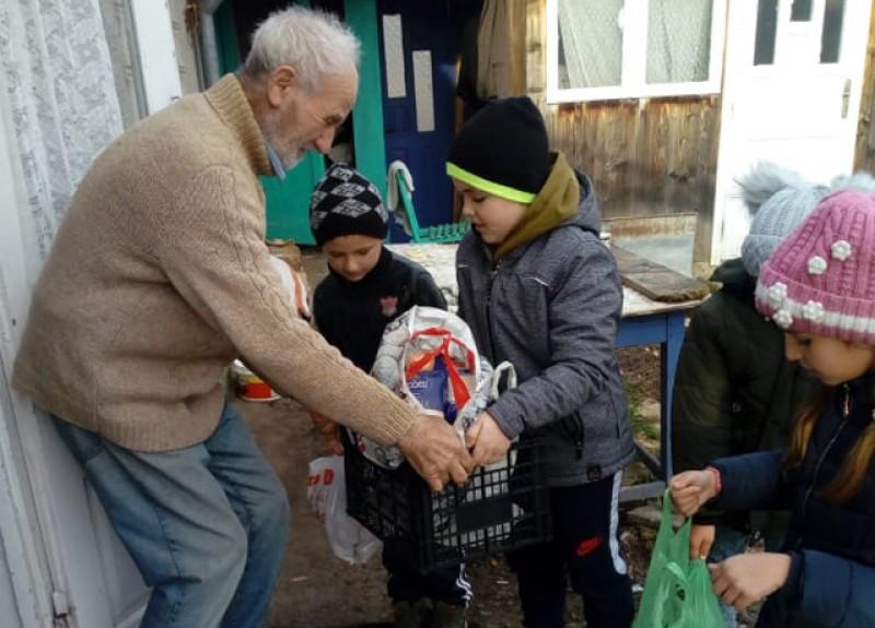 Mâini întinse spre slujirea aproapelui- acțiune voluntariat la Școala Sulița