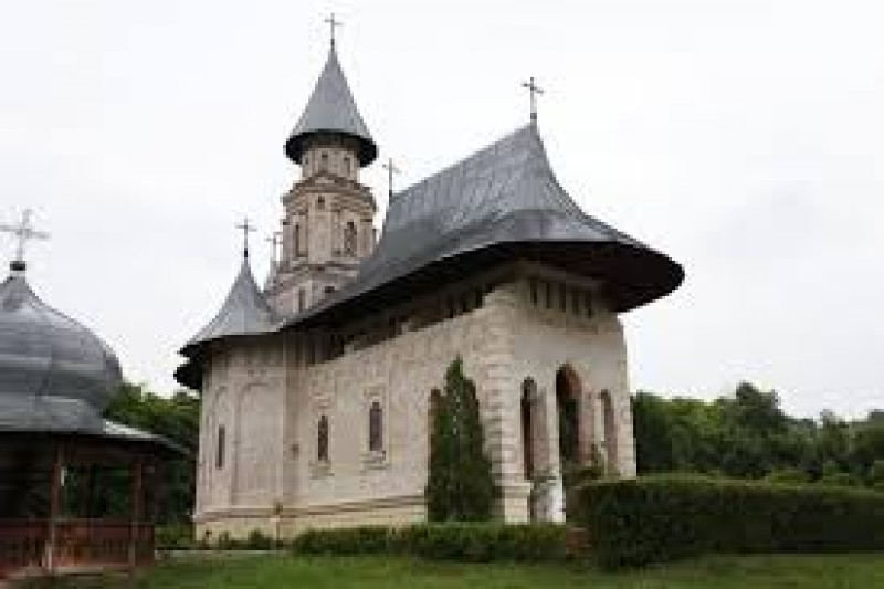 Mănăstirea de lângă Iaşi ştearsă de pe faţa pământului de o explozie puternică
