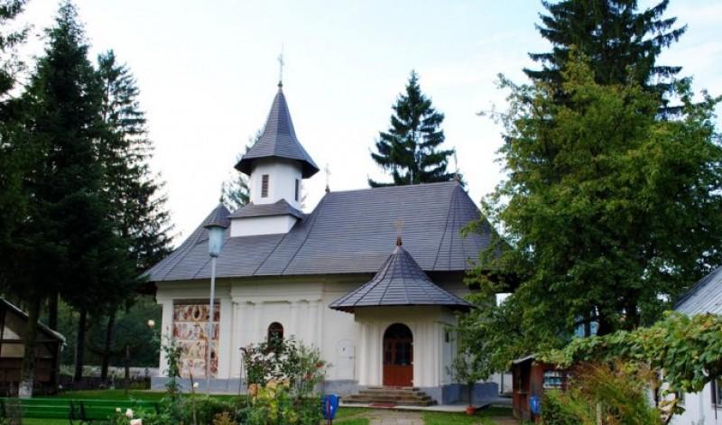 Mănăstirea Sihăstria Voronei își serbează hramul