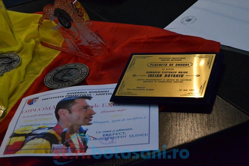 Maratonistul Iulian Rotariu, apreciat şi aplaudat în şedinţa Comitetului Judeţean pentru Situaţii de Urgenţă FOTO