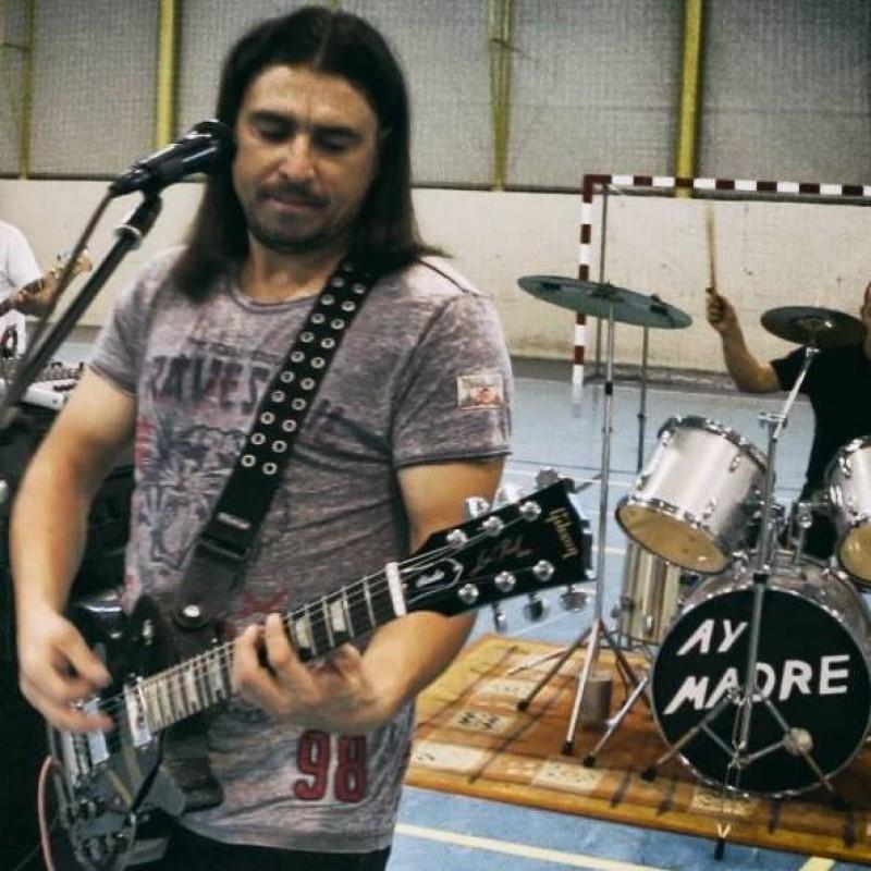 MARIUS CONSTANTIN SABIE şi povestea unui rocker nostalgic din Botoşani! FOTO, VIDEO