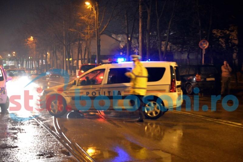 Mașină blocată în trafic de polițiști! Șoferul, scos cu forța din autoturism!