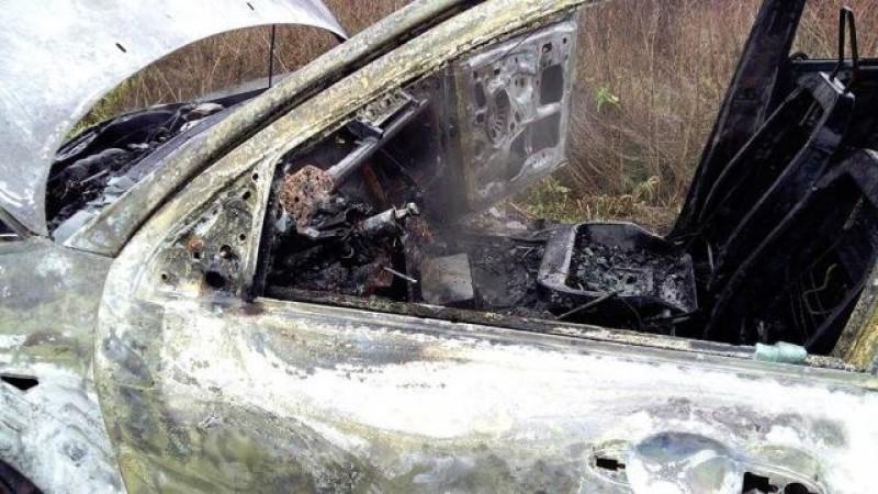 Mercedesul unui botoșănean distrus după ce a luat foc în trafic!