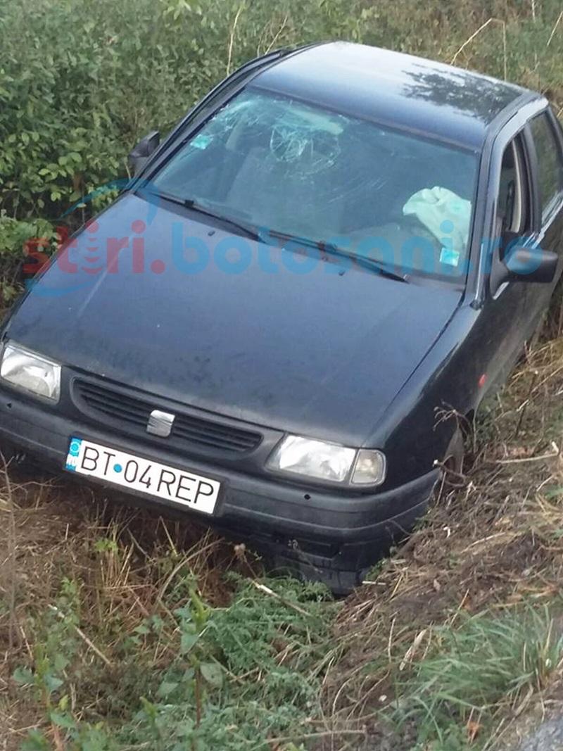 Mașină răsturnată într-un șanț de un șofer băut! FOTO