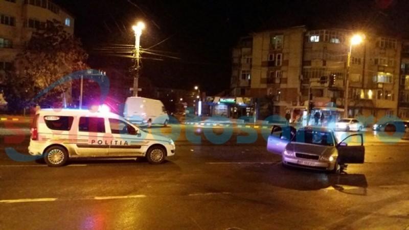 Maşini avariate într-o intersecţie din Botoşani. Şoferii au chemat poliţiştii- FOTO