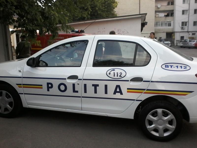 Mașinile care transportă buletinele de vot, păzite de zeci de polițiști!