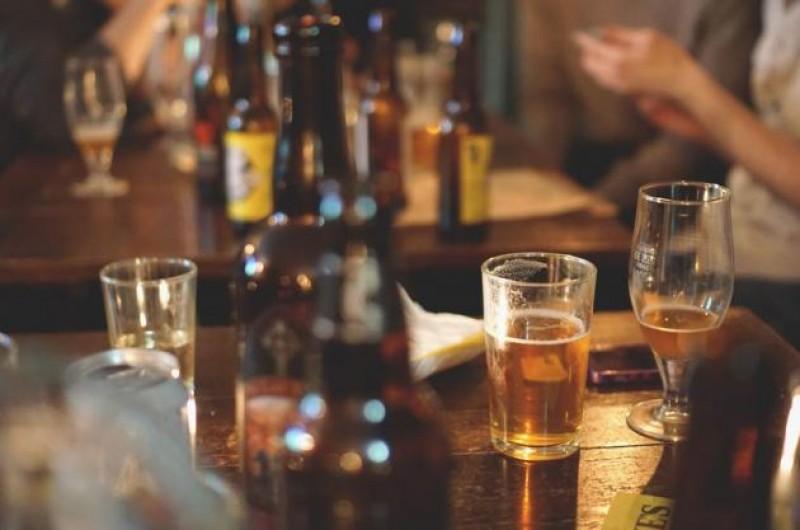 Măsură DRASTICĂ și rar întâlnită: Bar închis după ce un bărbat a murit, în urma unei bătăi!