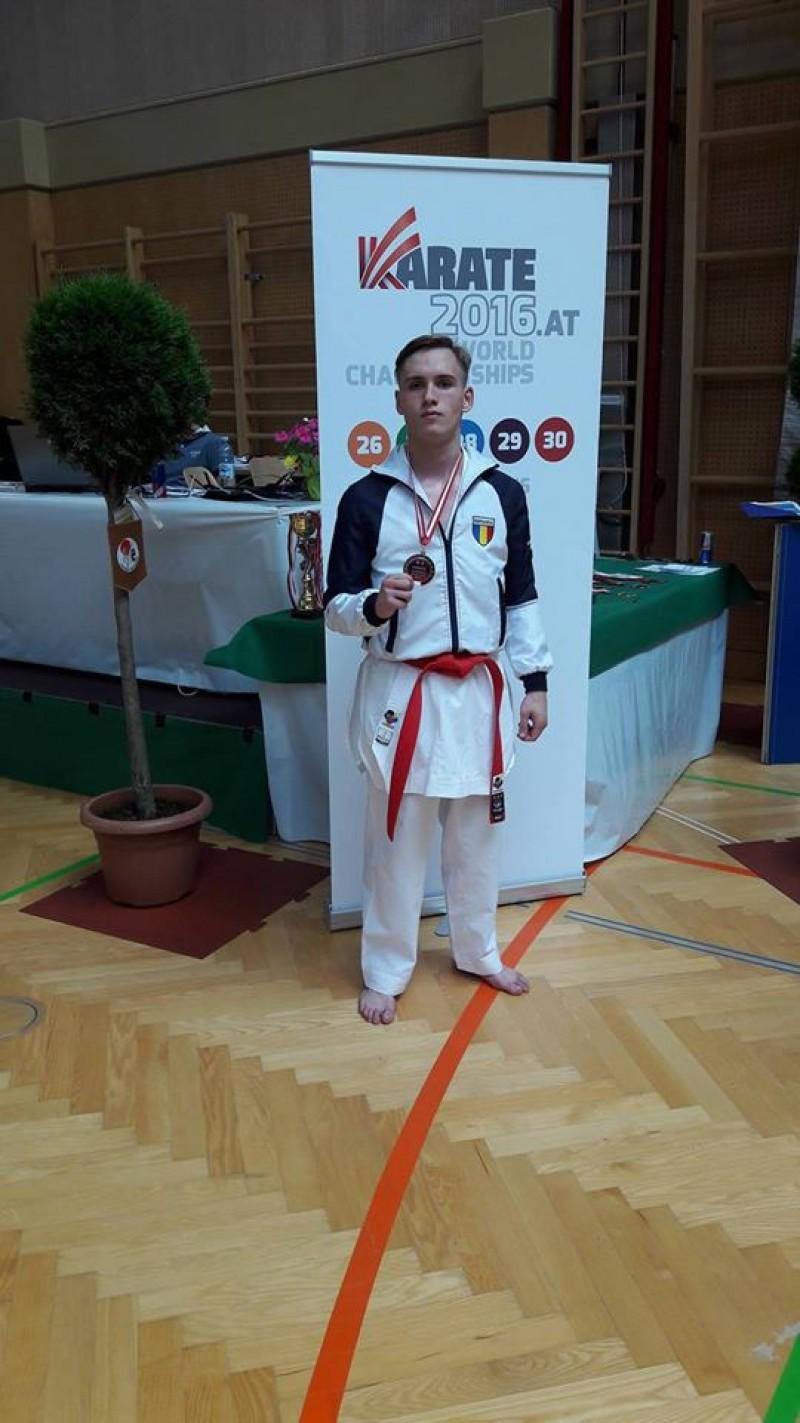Medalie de argint la Austrian Junior Open 2016, câştigată de Vlad Pamfil!