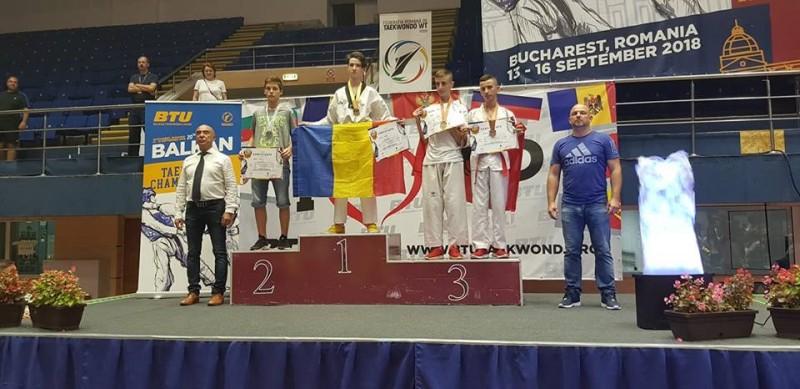 Medalii de aur la Campionatul Balcanic de Taekwondo obținute de sportivii legitimați la CS Real Taekwondo Team Botoșani - FOTO