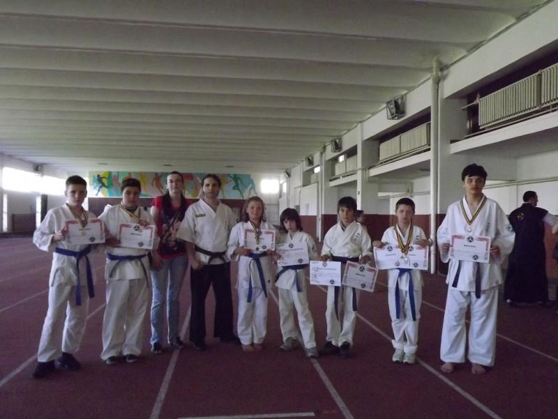 Medalii obtinute de sportivii botosaneni la Campionatul National de Karate Isshinryu