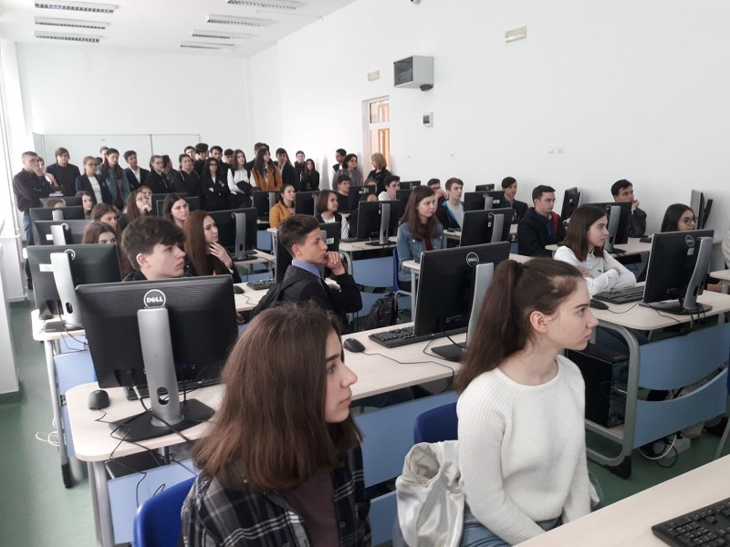 "Megalaboratorul de la Laurian a fost ""lansat"" - FOTO"