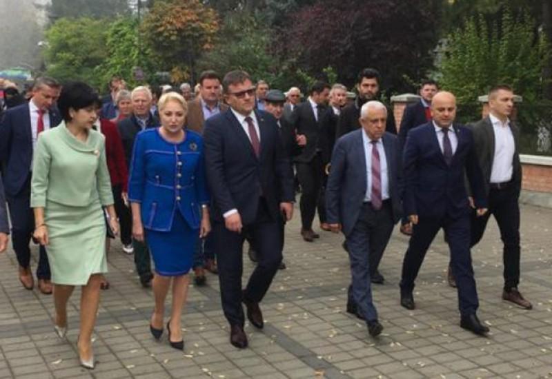 Membrii PSD de la Botoșani, întâlnire cu aplauze pentru Viorica Dăncilă