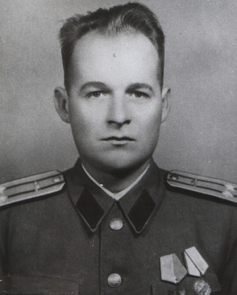 Memoria zilei: Paul Cheler, ofiţerul care a refuzat oferta ruşilor în timpul invaziei în Cehoslovacia. 30 de ani mai târziu boicota o ceremonie organizată de Ion Iliescu!