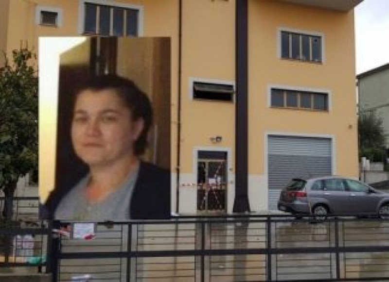 """Mesajul italienilor după ce o româncă a fost arsă de vie de iubitul italian: """"Violeta, iartă-ne!"""""""
