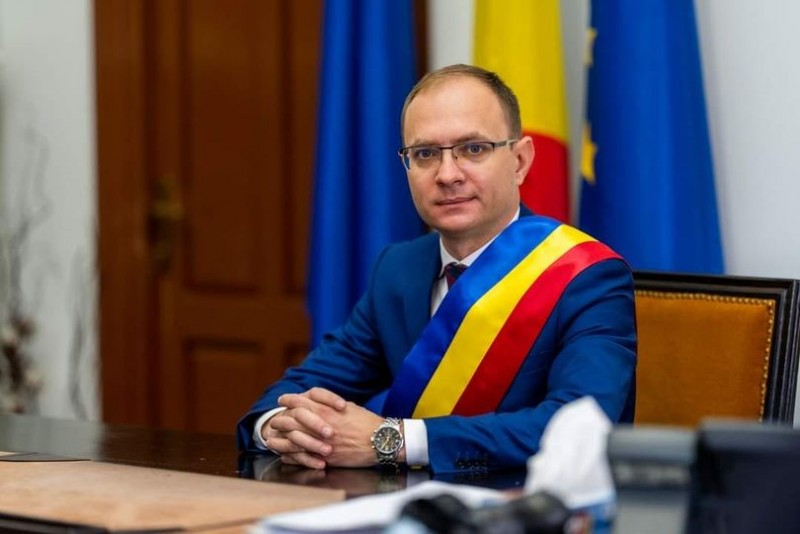 """Mesajul primarului Cosmin Andrei, transmis botoșănenilor la cumpăna dintre ani """"Vă invit să privim cu optimism și încredere spre viitor"""""""