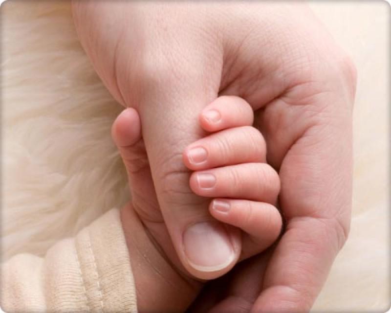 Meseria de parinte nu mai este atractiva! Peste 90 de asistenti maternali au parasit sistemul