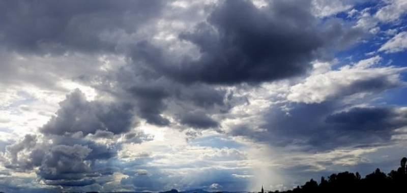 Meteo: Duminica ne mai bucuram de vremea calda, dar temperaturile scad de luni