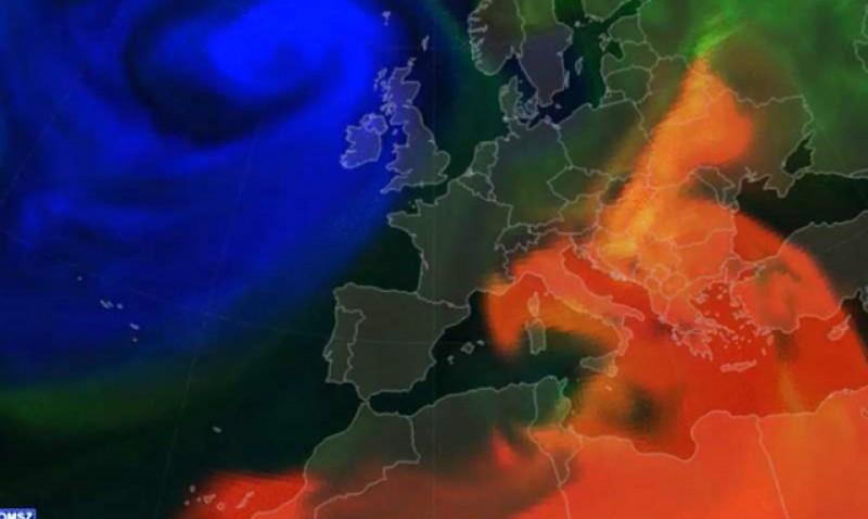 Meteorologii spun că din această seară un nor de praf saharian ajunge deasupra României